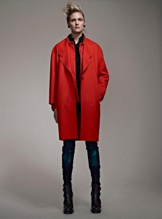 Leo coat Red. Pantalon pintado a mano