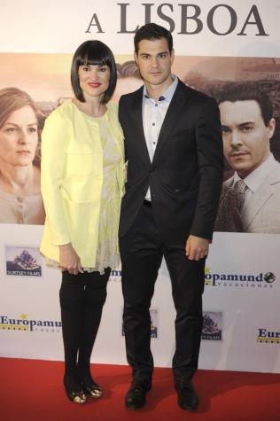 """En la premiere de """"Tren nocturno a Lisboa"""" junto a su marido, Juan Pablo Lauro."""