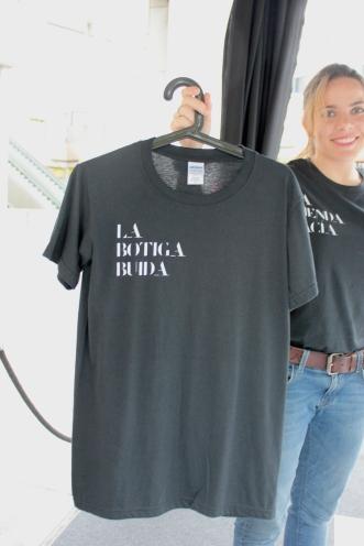 la tienda vacia camisetas
