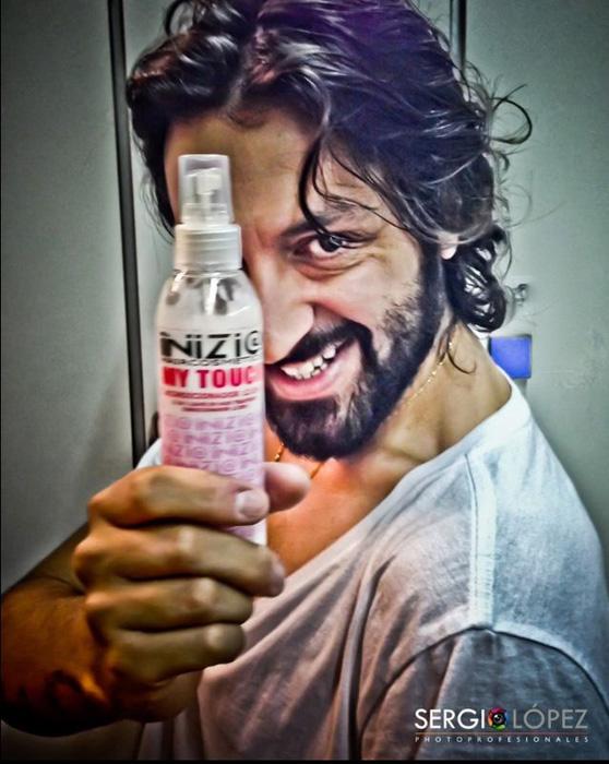 Rafael Amargo promocionando los productos de Inizi@