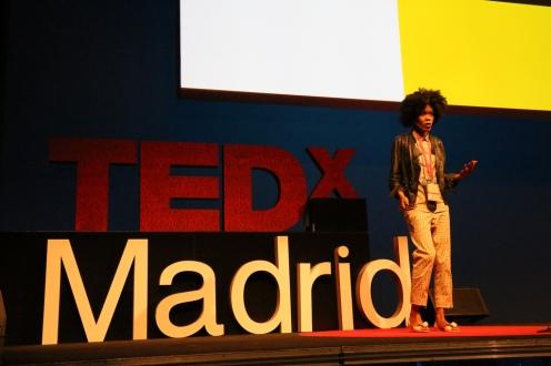 Angelica Dass de Humanae en el evento del 28 de septiembre de 2013 de TEDxMadrid